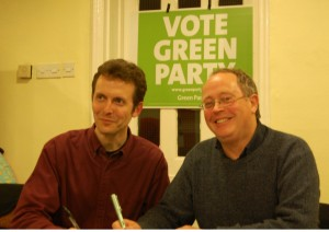 Rob Unwin and Bernard Little sign the clean campaign pledge.