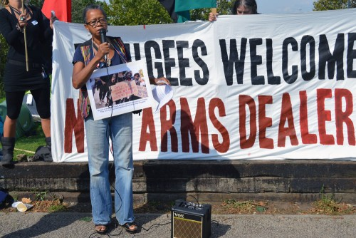 dsei-2015-refugees-not-arms